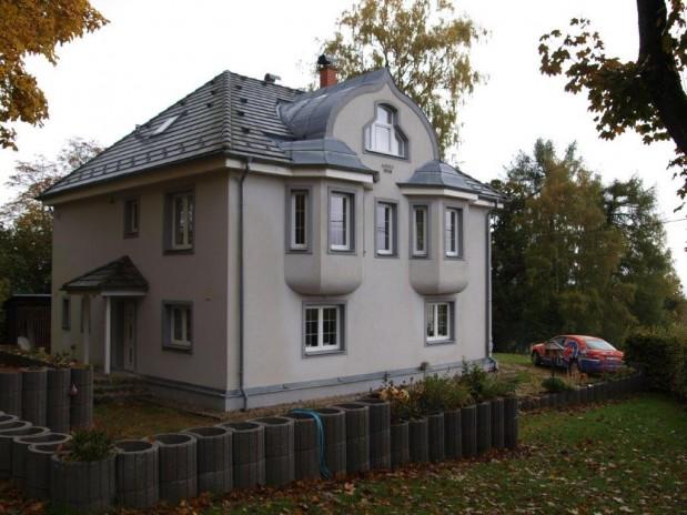 Grote gereconstrueerde (vakantie)villa in skigebied nabij Duitse grens