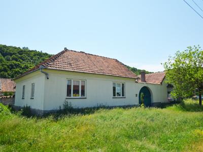 Traditioneel Roemeens Boerderijhuis te Koop