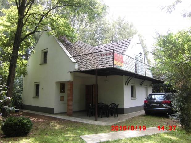 HONGARIJE Tiszameer Tiszafured vakantiehuis, direct aan het meer gelegen