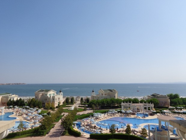 Sea view fully furnished 1-bedroom in beachfront 5***** Sunset Pomorie beach resort
