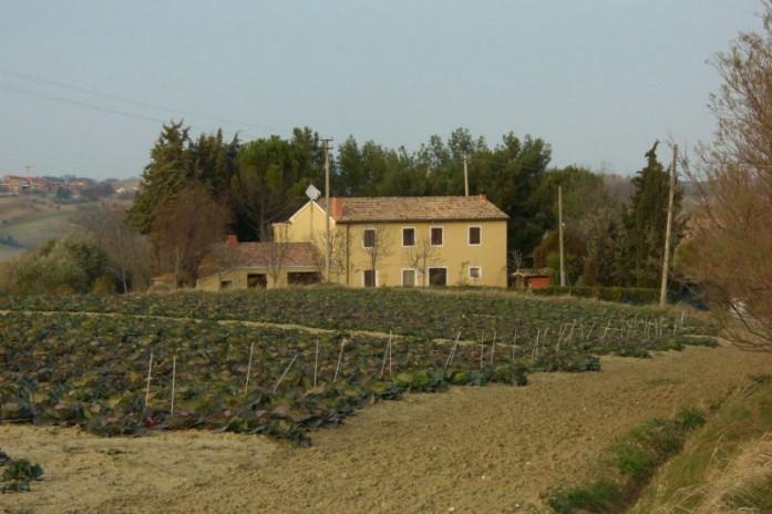 2181 Typisch landhuis