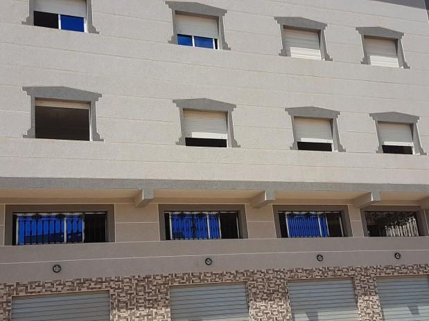 Nador/ Aroui. Nieuwe woning, 2 etages met grote garage.