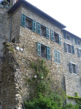 R 1015 Apartment for sale in the historical center of Apricale