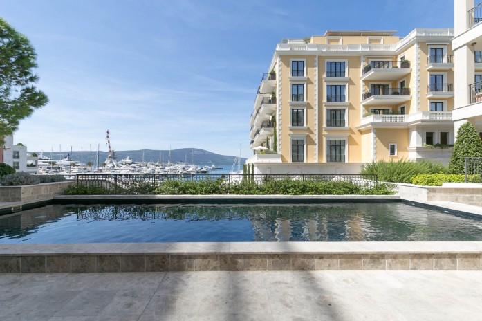 3 Bedroom Apartment with Sea View