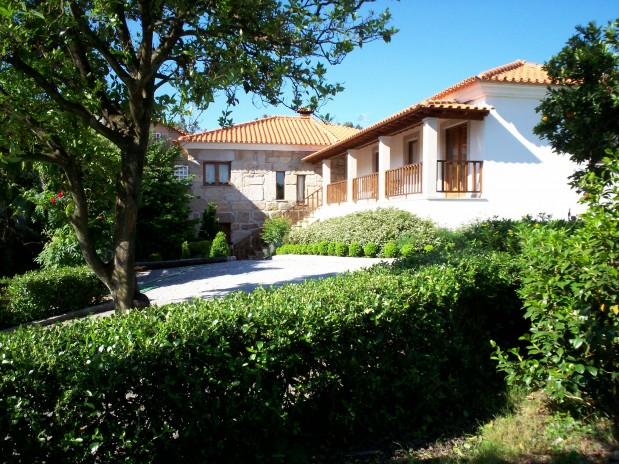Wonderful authentic Quinta with spacious areas and large garden, in Viseu region