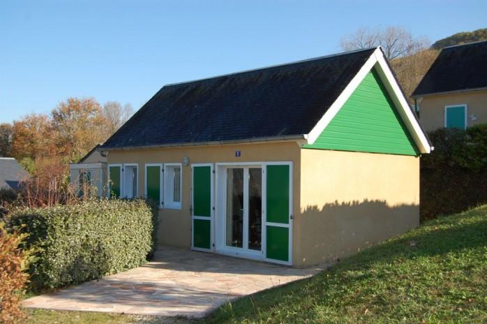 Leuke bungalow op 255 m2 grond, nabij Brive
