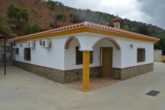 Vrijstaande Villa in Alora met gastenverblijf.