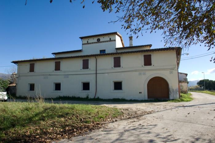 Farmhouse in Spoleto's valley