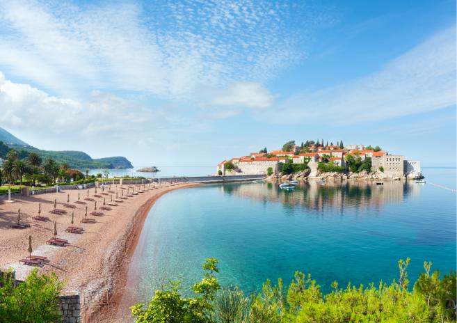 Luxe villa aan het water te koop