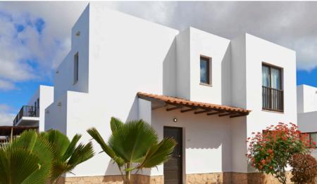 Santa Maria Kaapverdie Villa en zwembad bij het strand te koop