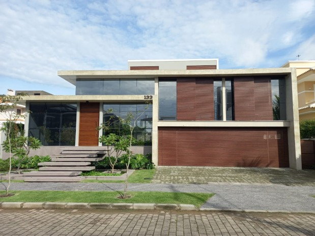 Luxury House Partly Furnished  4Suites at 140mt Sea Jurere Internacional Beach-FLORIANOPOLIS-BRAZIL